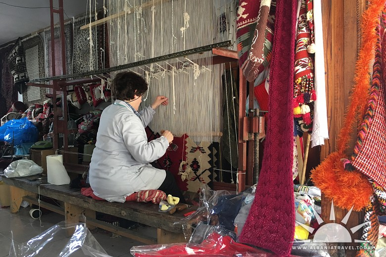 Carpet weaving traditions (Interview with Deshire Maja) photo 2
