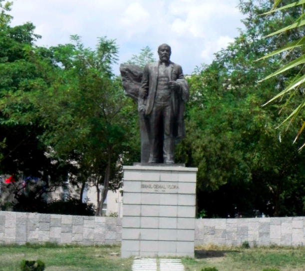 Monument to Ismail Qemali in Vlora photo 0
